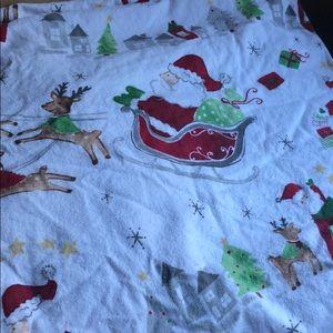 Pottery Barn Christmas Santa 🎅🏼 crib sheet!